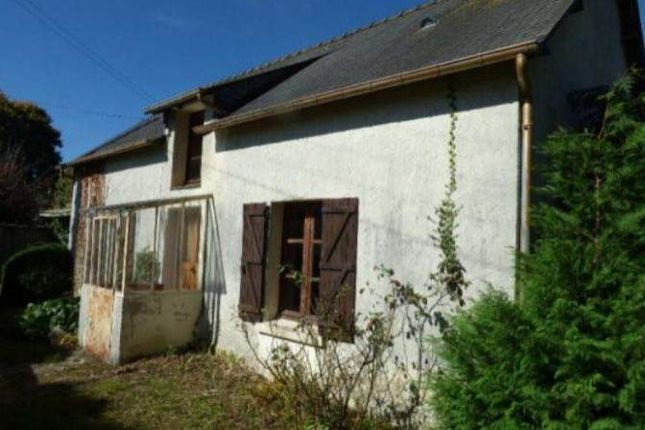 1 bed country house for sale in 56800 Ploërmel, France