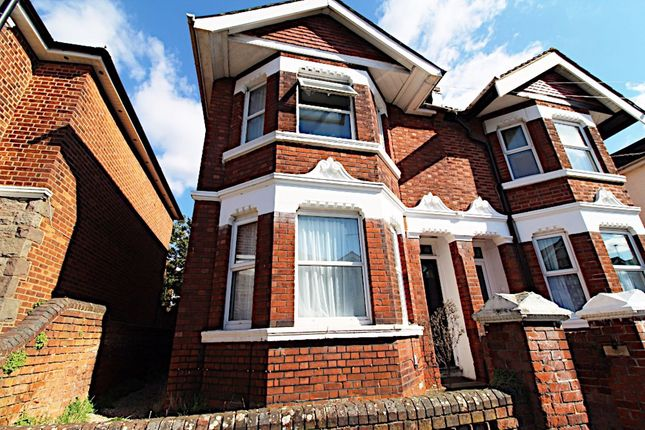 Thumbnail Property to rent in Harborough Road, Polygon