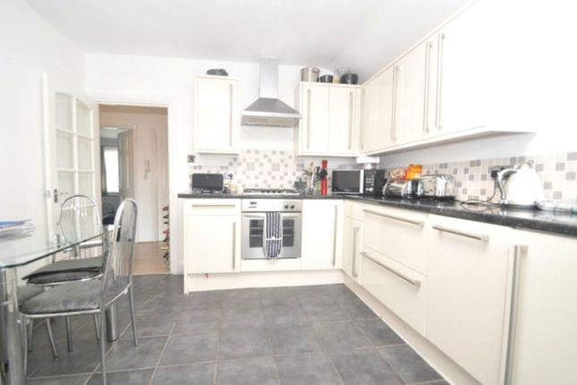 Flat to rent in Windsor Road, Ealing
