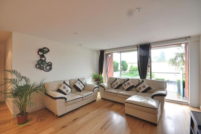 Thumbnail Flat to rent in Crown Apartments, Westholme Gardens, Ruislip, Middlesex