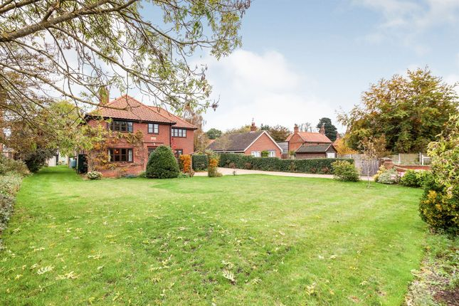 Thumbnail Detached house for sale in Norwich Road, Ditchingham, Bungay