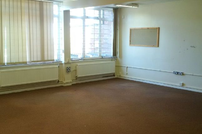Thumbnail Shared accommodation to rent in Heggard Close, Bristol