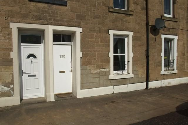 Thumbnail Flat to rent in Main Street, East Calder, Livingston