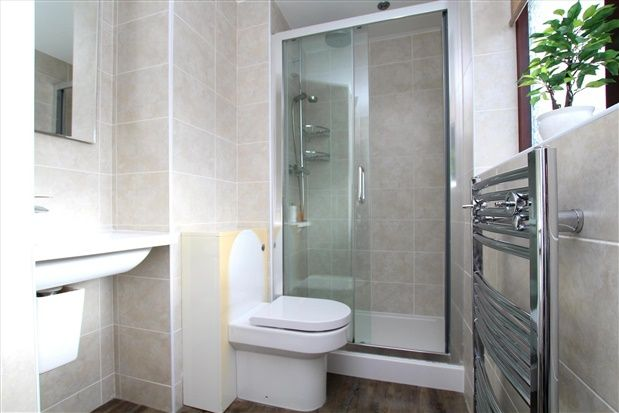 Ensuite of Muirfield Close, Preston PR2