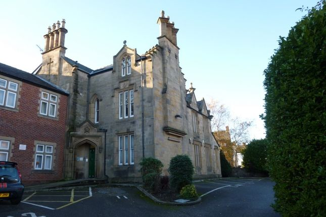 Thumbnail Studio to rent in Fearnley Hall, The Woodlands, Birkenhead Wirral.