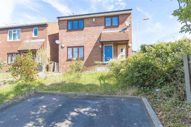 Thumbnail Flat for sale in Navestock Close, Mapleton Road, London
