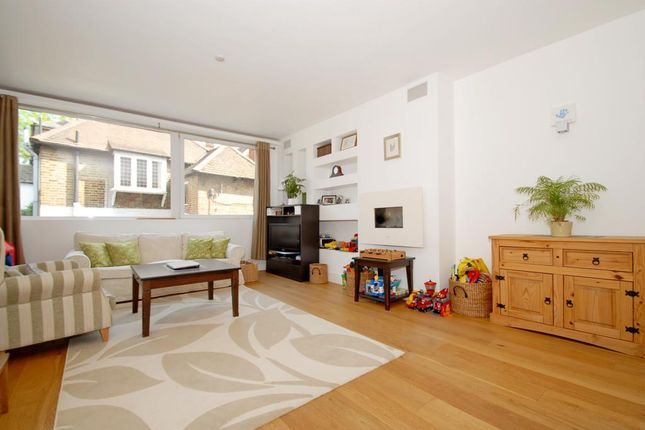 Thumbnail Flat to rent in Portsmouth Road, Cobham