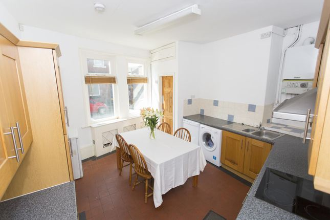 Thumbnail Semi-detached house to rent in Bankfield Avenue, Manchester