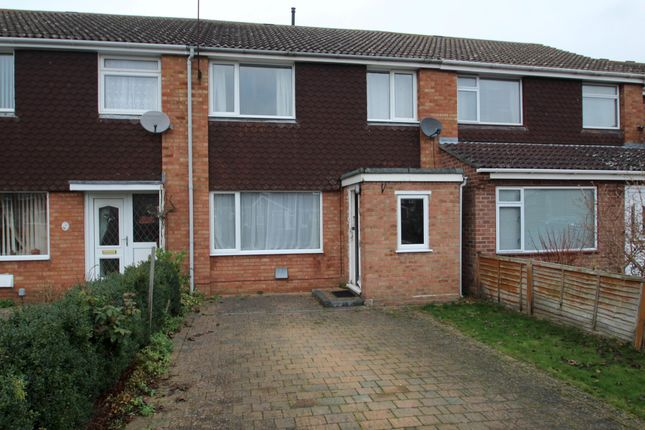 Thumbnail Terraced house to rent in Kestrel Close, St. Ives, Huntingdon