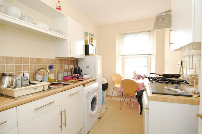 Thumbnail Flat to rent in Devonport Road, Flat 4, Plymouth