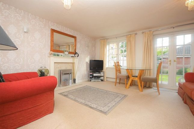 Lounge of Ouse Close, Didcot OX11