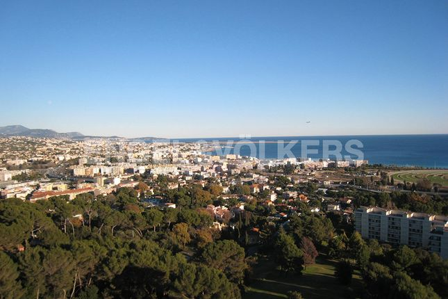 4 bed apartment for sale in Cagnes-Sur-Mer, France