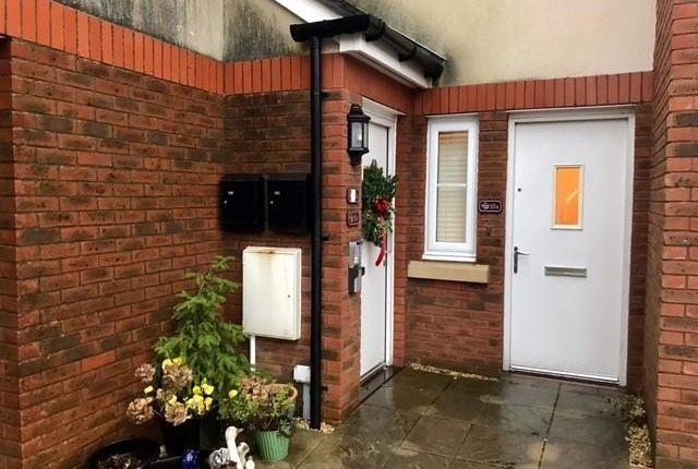 2 bed flat to rent in Park Lane, Oakdale, Blackwood NP12