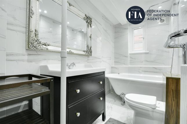 Bathroom of Longfield House, Uxbridge Road, Ealing W5