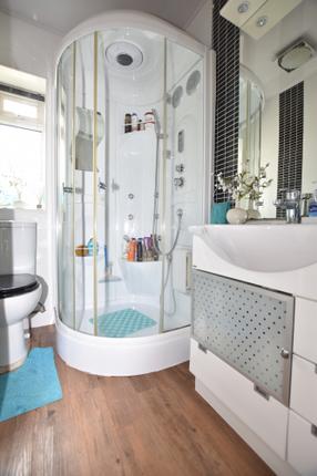 Shower Room of 172 Inverkip Road, Greenock PA16