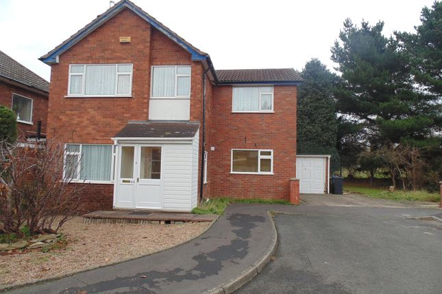Thumbnail Detached house to rent in Manorford Avenue, West Bromwich