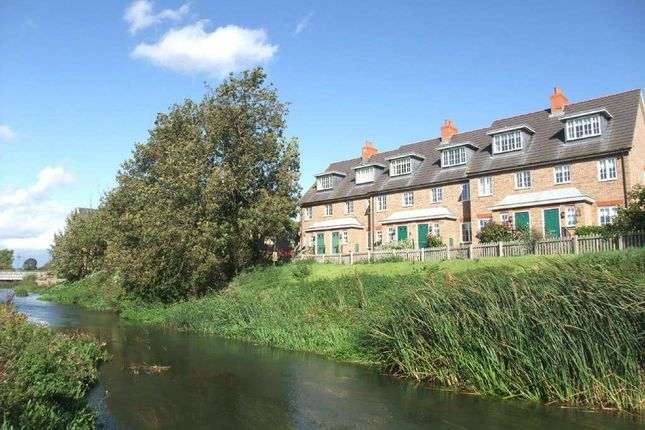 Thumbnail Town house to rent in Ivel Bury, Biggleswade