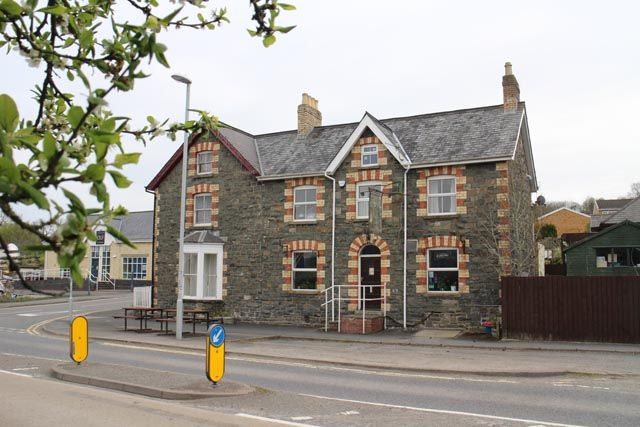 Thumbnail Pub/bar for sale in Tremont Road, Llandrindod Wells