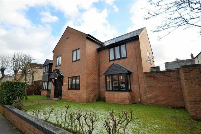 Thumbnail Flat for sale in Abbey Park Mews, Grimsby