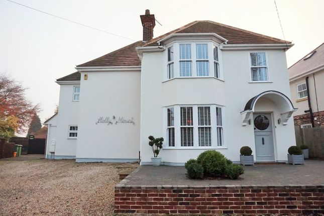 Thumbnail Detached house for sale in Southend Road, Billericay