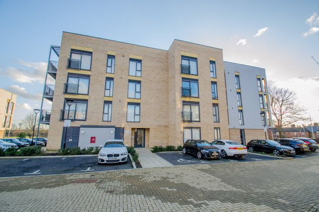 Thumbnail Flat for sale in Allwoods Place, Hitchin, Hertfordshire