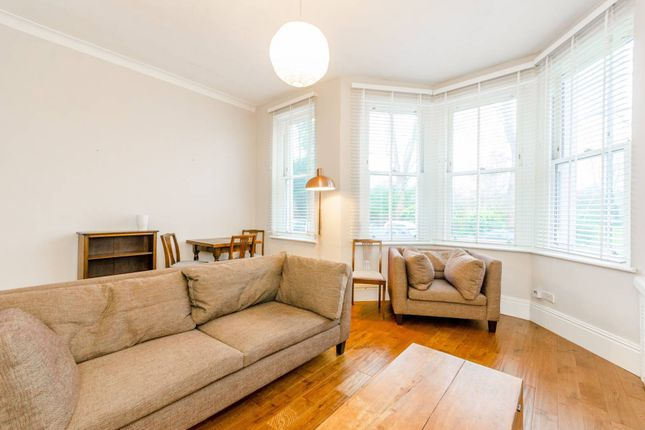 2 bed flat to rent in Alexandra Mansions, Hornsey