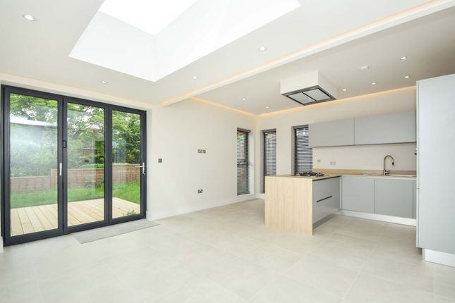 Detached bungalow for sale in Torrington Grove, North Finchley, London