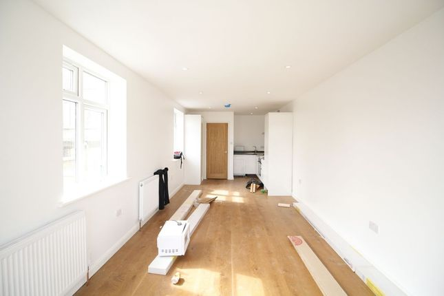 Thumbnail Flat for sale in Plumstead Common Road, London