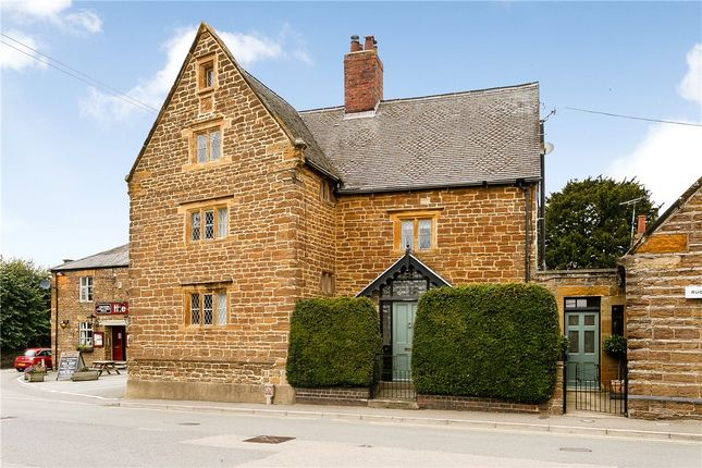 Thumbnail 6 bed cottage for sale in Main Road, Crick, Northampton, Northamptonshire