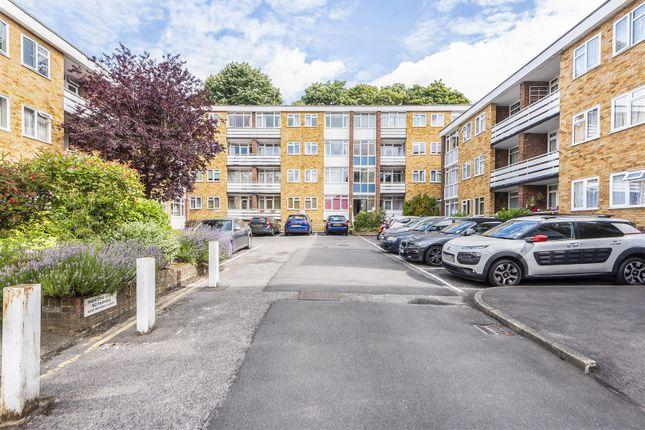 Thumbnail Flat to rent in Radstone Court, Woking