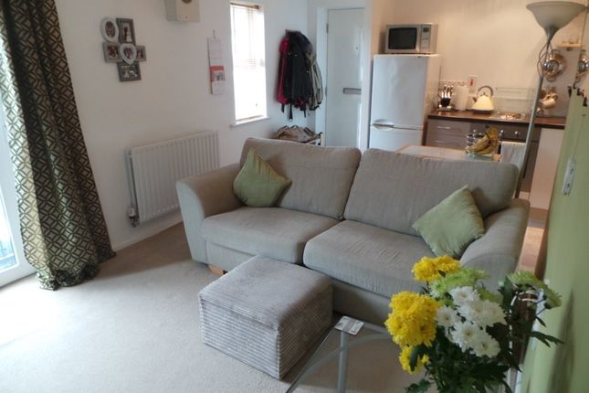 Thumbnail Flat to rent in Cresswell Road, Hanley, Stoke-On-Trent