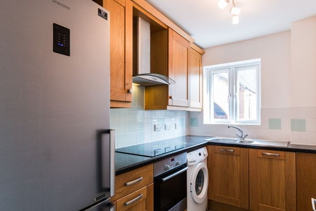 Thumbnail Flat to rent in Northcroft Lane, Newbury