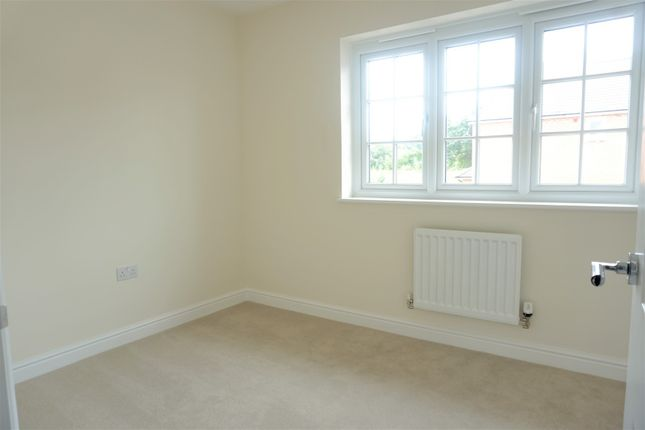Bedroom of 21 Shire Way, Tattenhall, Chester CH3