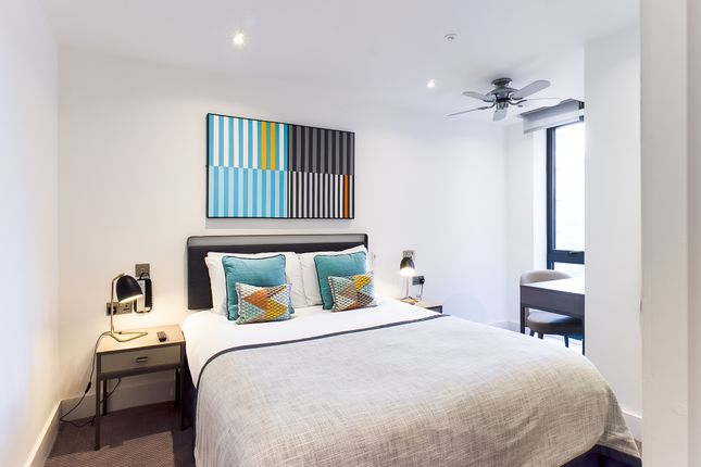 Thumbnail Flat to rent in Queen Square, Brighton