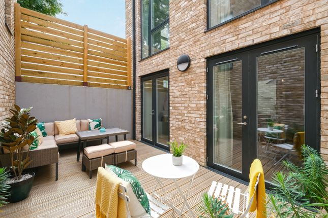 Thumbnail Mews house for sale in Atkinson Road, Acton