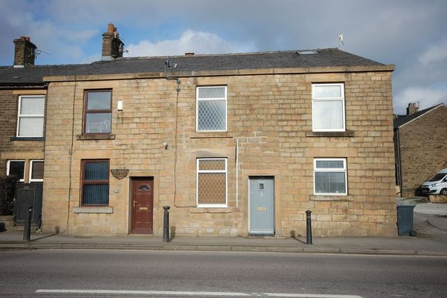Thumbnail Terraced house to rent in Brookfield, Glossop