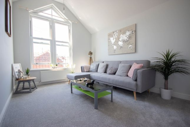 Thumbnail Flat to rent in Union Road, Ryde
