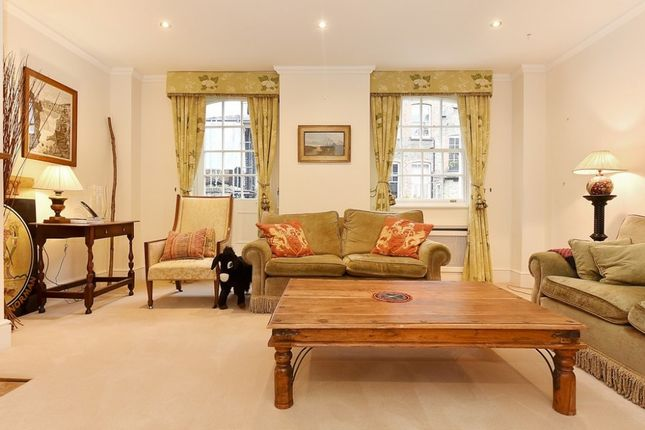 Thumbnail Property to rent in Clover Mews, Chelsea