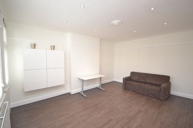 Thumbnail Flat to rent in Truro Road, Bounds Green