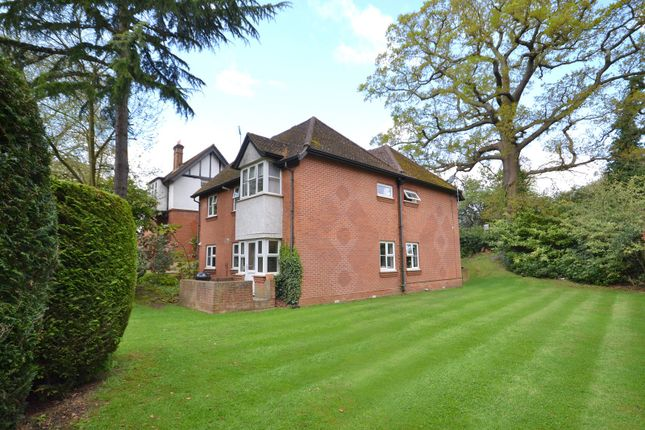 2 bed flat for sale in Ashley Rise, Walton-On-Thames
