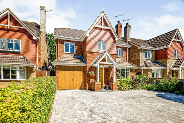 Thumbnail Detached house for sale in Willow Wood Close, Burnham, Slough