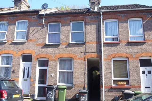 2 bed property to rent in Hartley Road, Luton