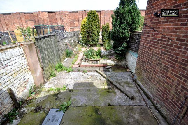 Picture No. 10 of Elsenham Road, Grimsby, N E Lincs DN31