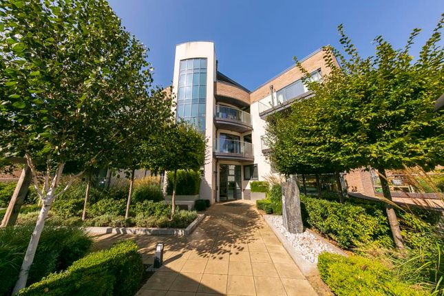 Thumbnail Flat for sale in Lower Richmond Road, Putney