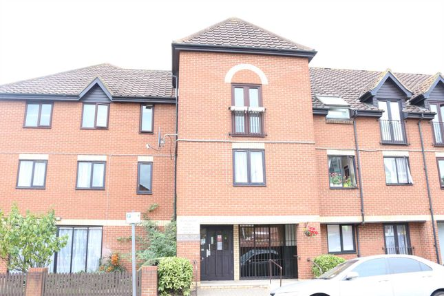Thumbnail Flat for sale in Golding Court, Ilford