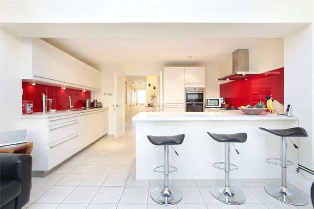 Thumbnail Mews house for sale in Bevin Square, London