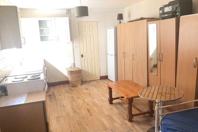 Thumbnail Studio to rent in Bury Park Road, Luton