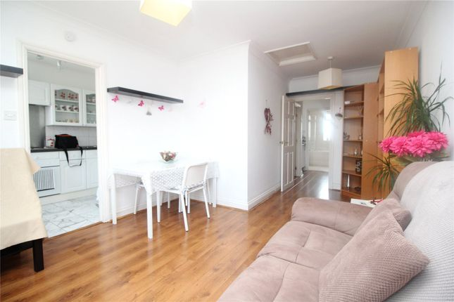Thumbnail Flat for sale in Chase Side, Southgate, London