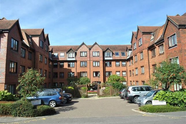Thumbnail Flat for sale in Rosebery Court, Water Lane, Leighton Buzzard