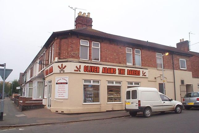 Thumbnail Flat to rent in Hawthorn Road, Kettering, Kettering